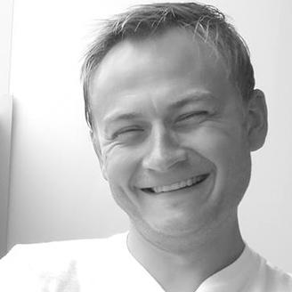 dr Piotr Pomostowski